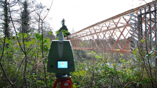 laser scanning old bridge