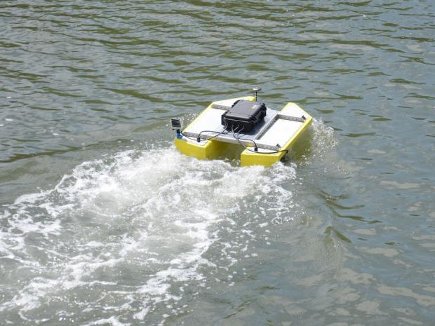 solar powered robotic vehicle collecting data on water