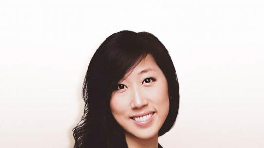 Image Description: Ellen Hwang Headshot